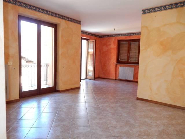 Appartamento in affitto a Carrù, 5 locali, prezzo € 400 | Cambio Casa.it