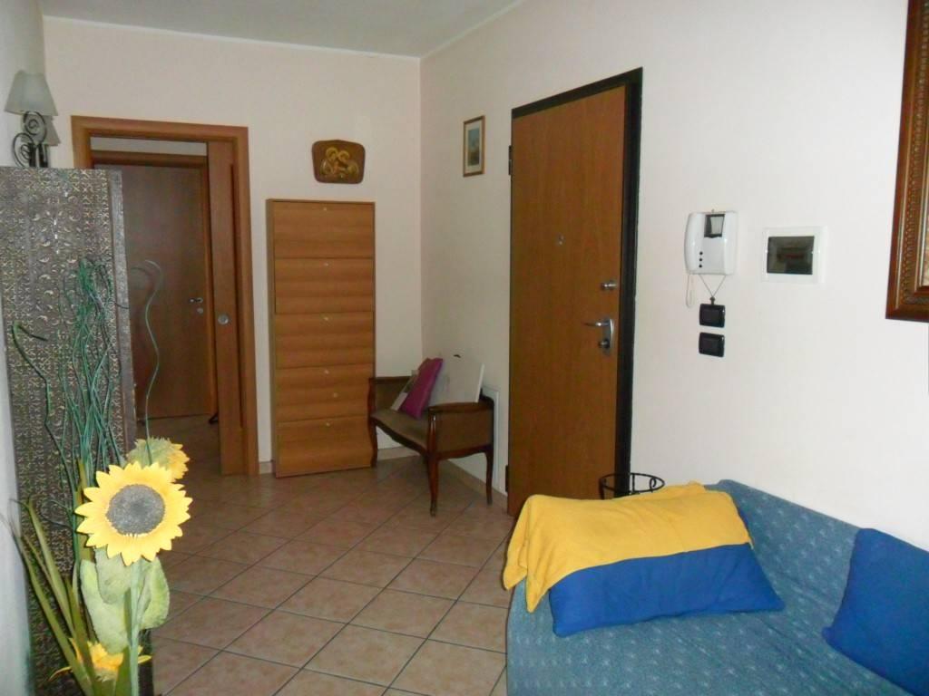 Appartamento in ottime condizioni in affitto Rif. 8154295