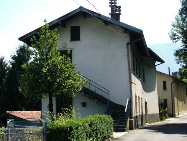 Rustico / Casale in vendita a Berbenno, 5 locali, prezzo € 64.500 | CambioCasa.it