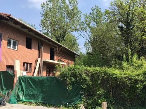 Rustico / Casale in vendita a Bra, 9999 locali, prezzo € 180.000 | CambioCasa.it