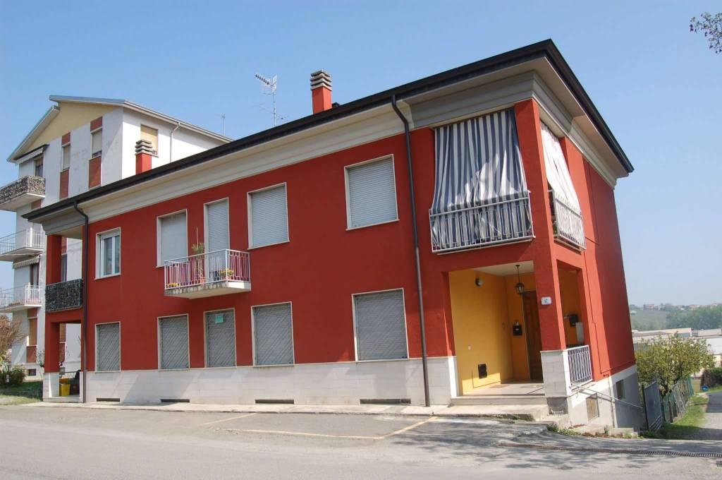 Appartamento in ottime condizioni parzialmente arredato in vendita Rif. 4378407