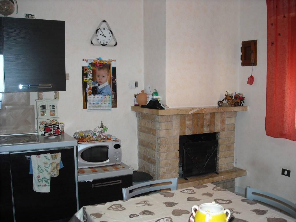 Appartamento in ottime condizioni in vendita Rif. 7847255