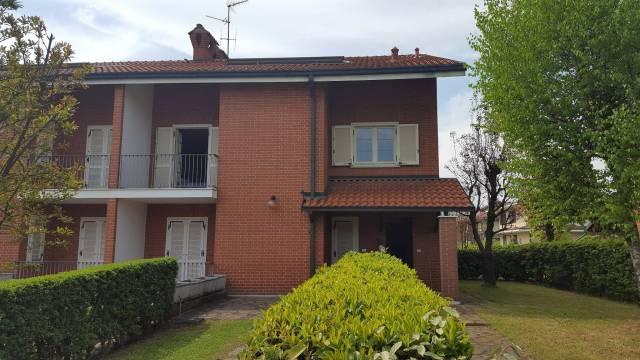 Villa in vendita a Travacò Siccomario, 4 locali, prezzo € 285.000 | Cambio Casa.it