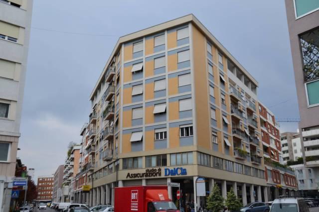 Appartamento in buone condizioni arredato in vendita Rif. 6665096