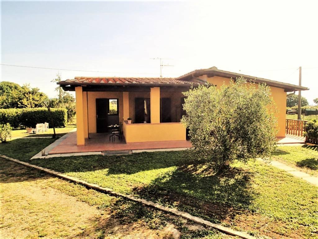 Villa in ottime condizioni arredato in affitto Rif. 8818503