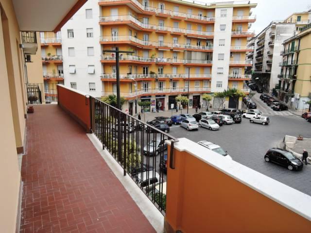 Appartamento in buone condizioni in affitto Rif. 4466227