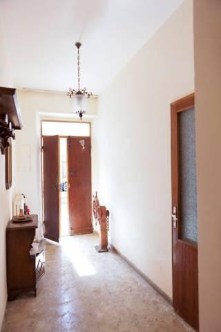 Soluzione Indipendente in vendita a Civitanova Marche, 5 locali, prezzo € 220.000 | Cambio Casa.it
