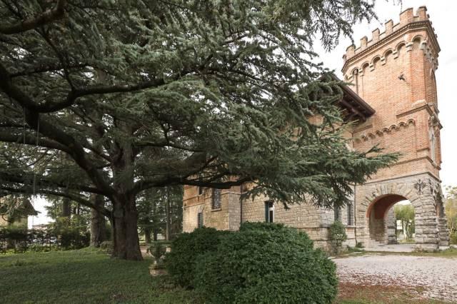 Palazzo-stabile Vendita Udine