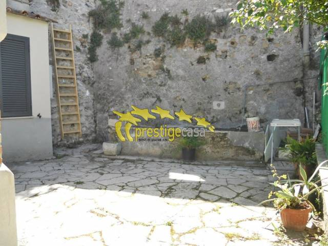 Bilocale Tivoli Via Tempio D'ercole 8