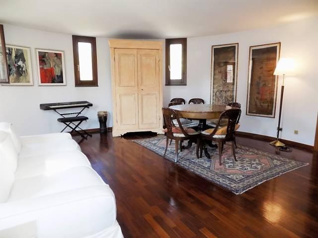 Villa in vendita a Bernareggio, 5 locali, prezzo € 674.000 | Cambio Casa.it
