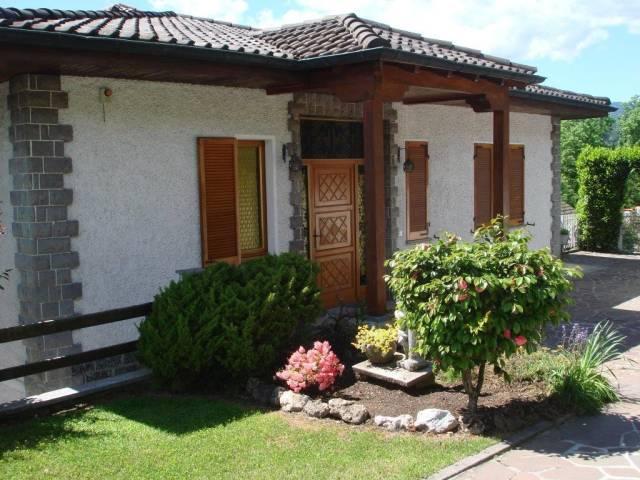 Villa in vendita a Grantola, 6 locali, prezzo € 379.000 | Cambio Casa.it