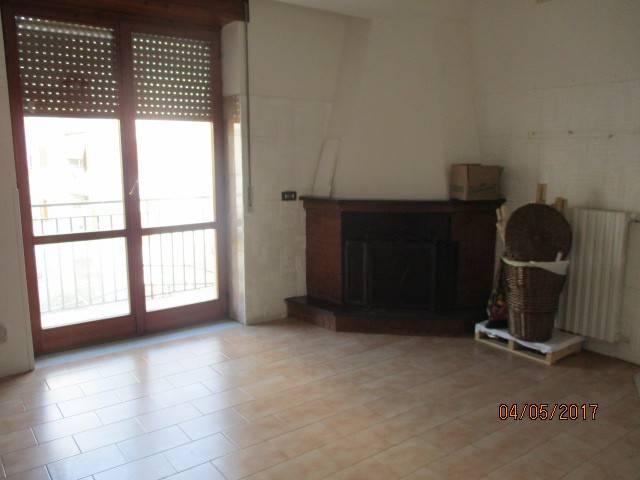 Ampio appartamento di 3 vani ed accessori Rif.10537450
