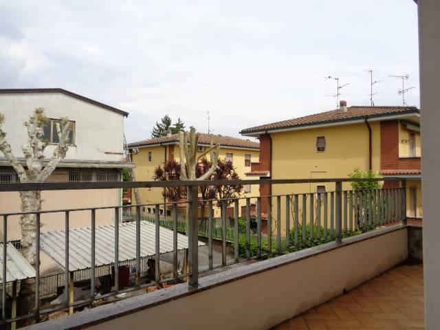 Appartamento in affitto a Castelvetro Piacentino, 4 locali, prezzo € 600 | Cambio Casa.it