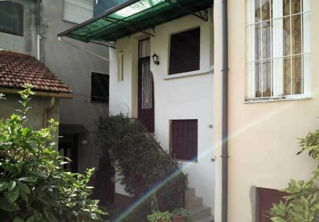 Appartamento in vendita a Brezzo di Bedero, 6 locali, prezzo € 140.000 | Cambio Casa.it