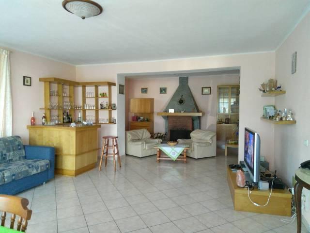 Appartamento in vendita a Germignaga, 6 locali, prezzo € 230.000 | Cambio Casa.it