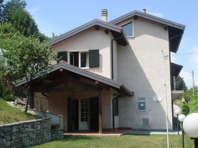 Soluzione Indipendente in vendita a Brissago-Valtravaglia, 5 locali, prezzo € 270.000 | Cambio Casa.it