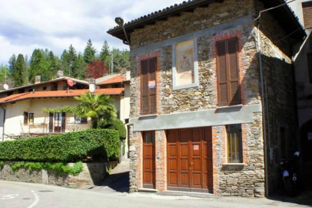 Soluzione Indipendente in vendita a Montegrino Valtravaglia, 3 locali, prezzo € 110.000 | Cambio Casa.it