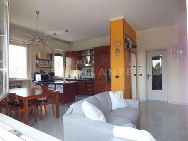 Appartamento in vendita a Porto Mantovano, 6 locali, prezzo € 79.000 | Cambio Casa.it