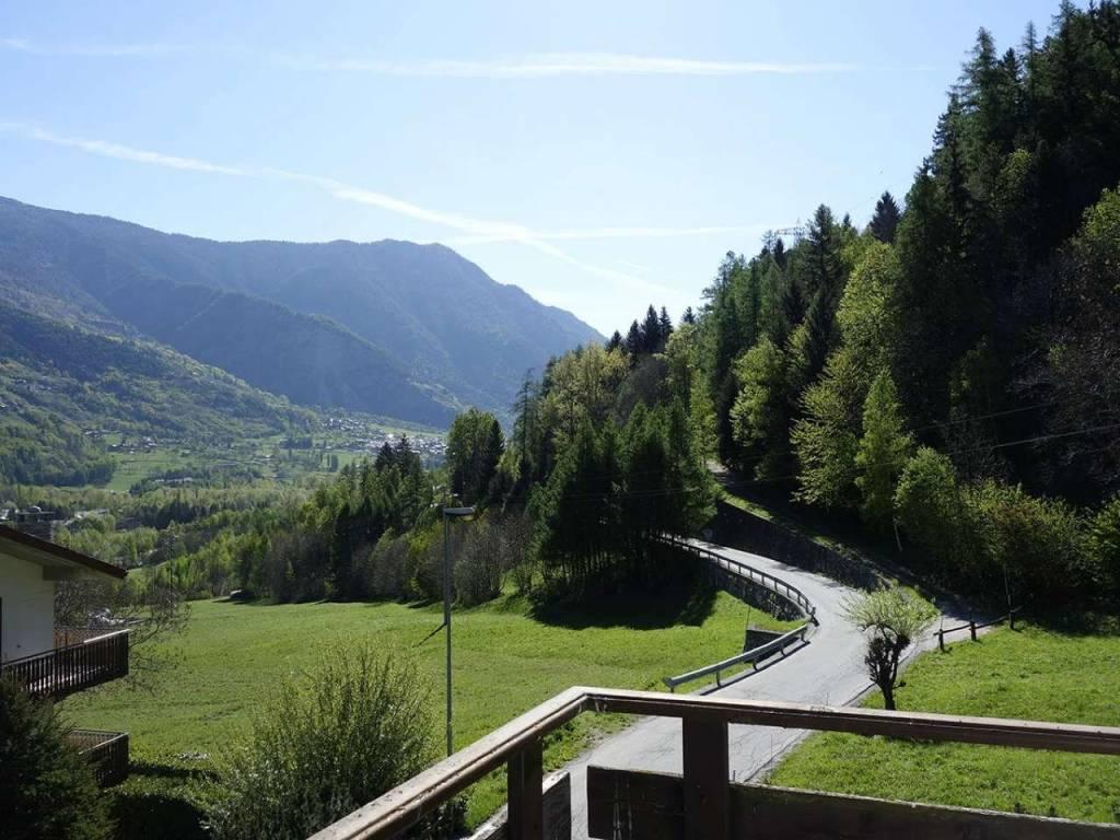 Morgex Previllair, panoramicissimo trilocale, balconata, posto auto coperto, cantina