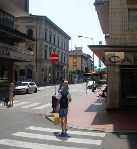 Negozio / Locale in affitto a Montecatini-Terme, 2 locali, prezzo € 500   Cambio Casa.it