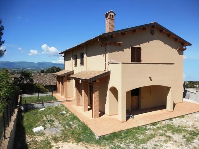 Villa in vendita a Campello sul Clitunno, 5 locali, prezzo € 250.000 | Cambio Casa.it
