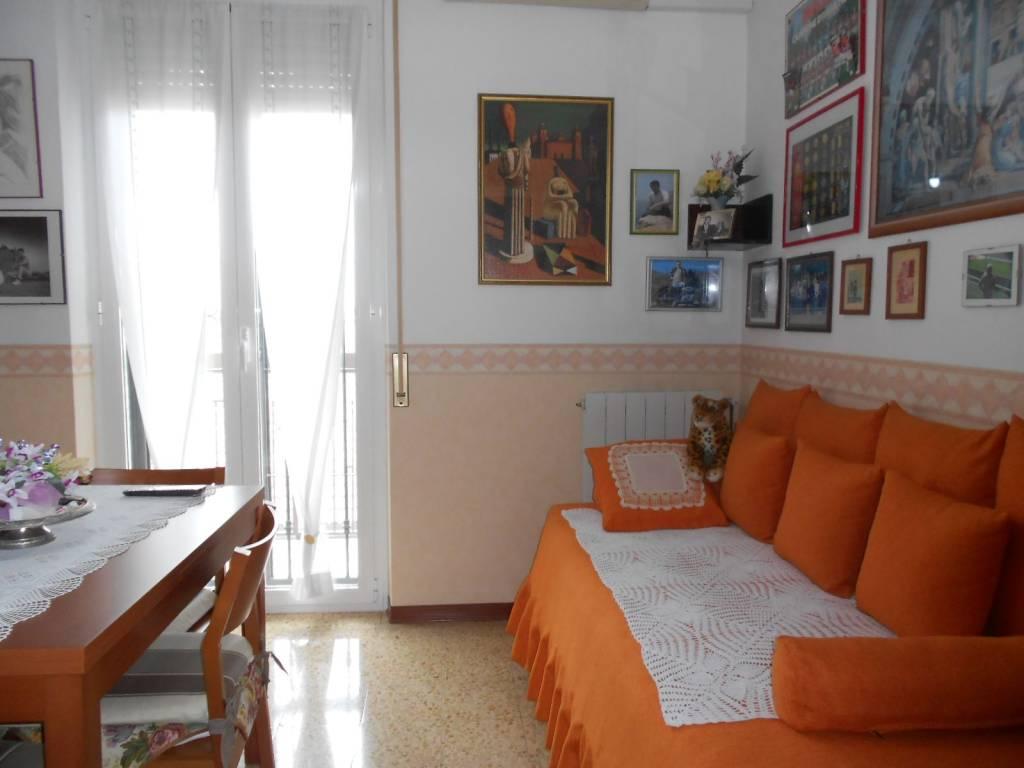 Appartamento in ottime condizioni arredato in affitto Rif. 9212469