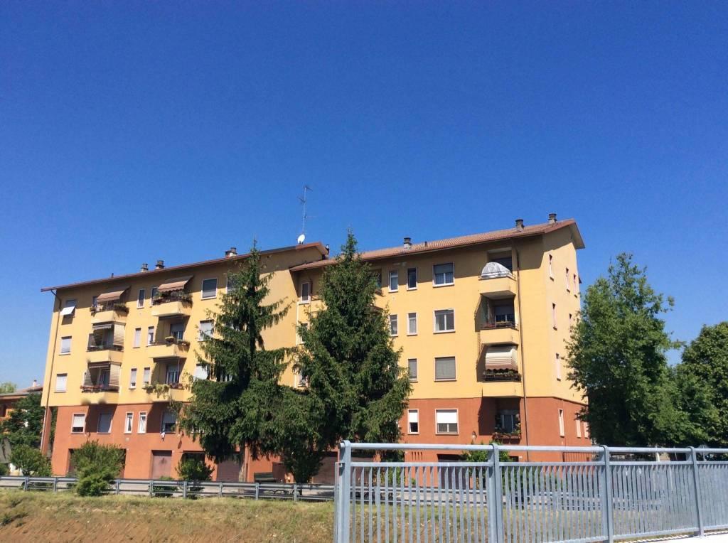 Appartamento in ottime condizioni parzialmente arredato in vendita Rif. 8704018