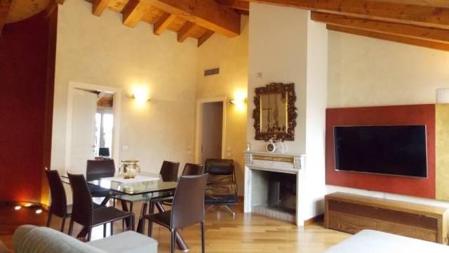 Appartamento in Vendita a Lomagna