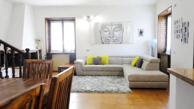 Villa in vendita a Vimercate, 5 locali, prezzo € 250.000 | Cambio Casa.it