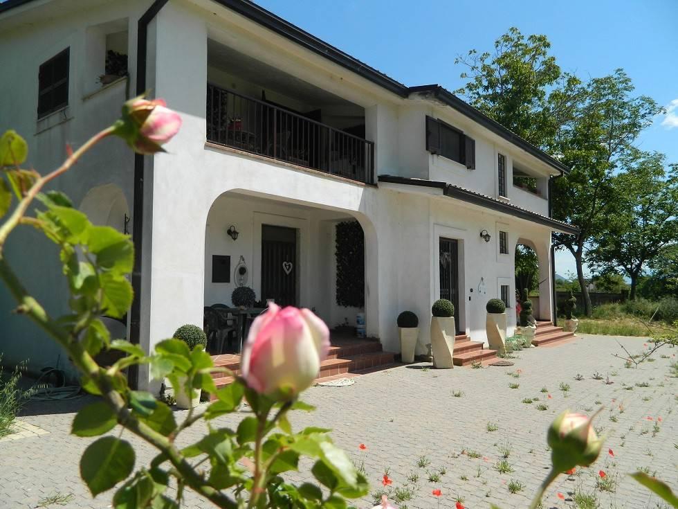 Appartamento in ottime condizioni in vendita Rif. 4271991