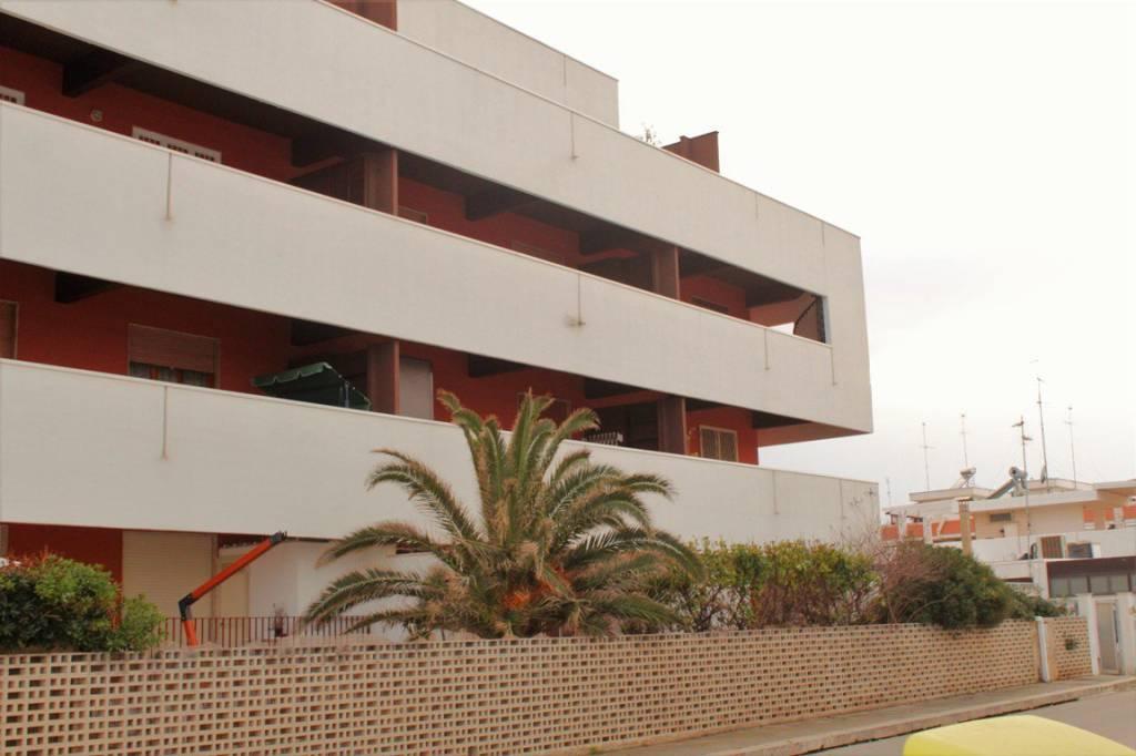 Appartamento in buone condizioni in vendita Rif. 9244498