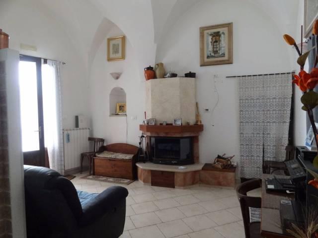 Stabile / Palazzo in ottime condizioni parzialmente arredato in vendita Rif. 4326338