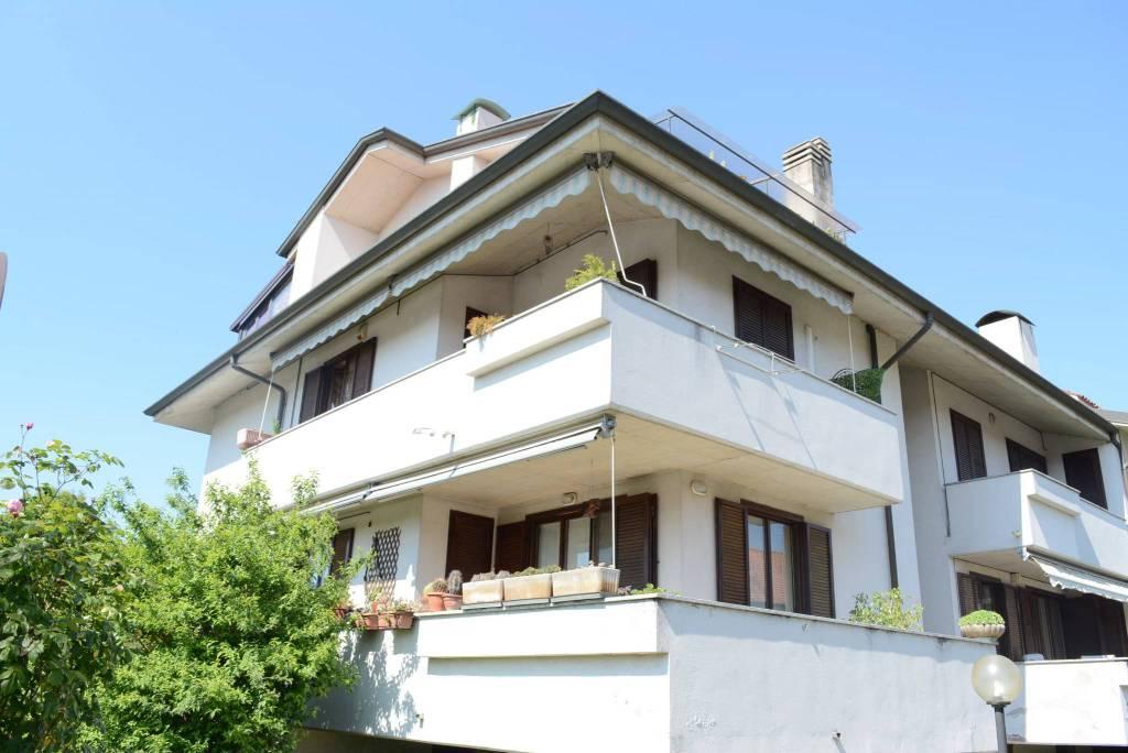 Appartamento quadrilocale in vendita a Vimercate (MB)