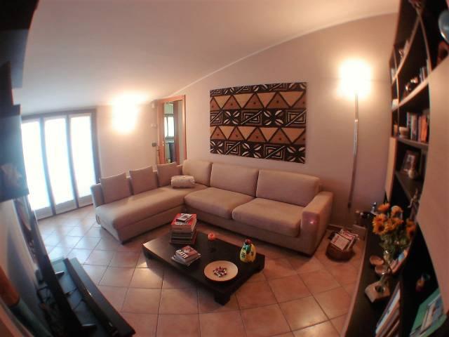 Appartamento in Vendita a Rovellasca: 3 locali, 77 mq