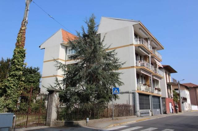 Appartamento in buone condizioni in vendita Rif. 4251250