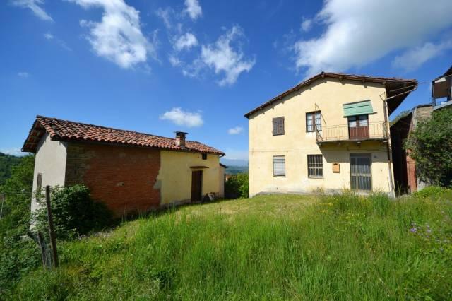 Rustico in Vendita a Murazzano Centro: 5 locali, 225 mq