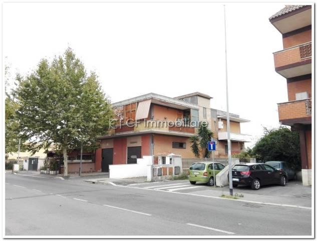 Appartamento in vendita a Fiumicino, 4 locali, prezzo € 190.000 | Cambio Casa.it