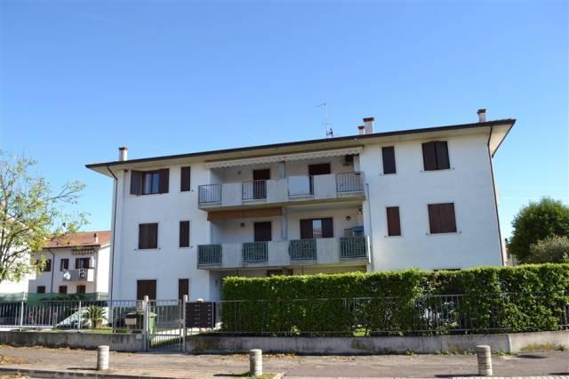 Appartamento in affitto a Sommacampagna, 2 locali, prezzo € 500 | Cambio Casa.it