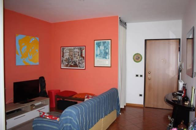 Appartamento in buone condizioni arredato in vendita Rif. 4216044