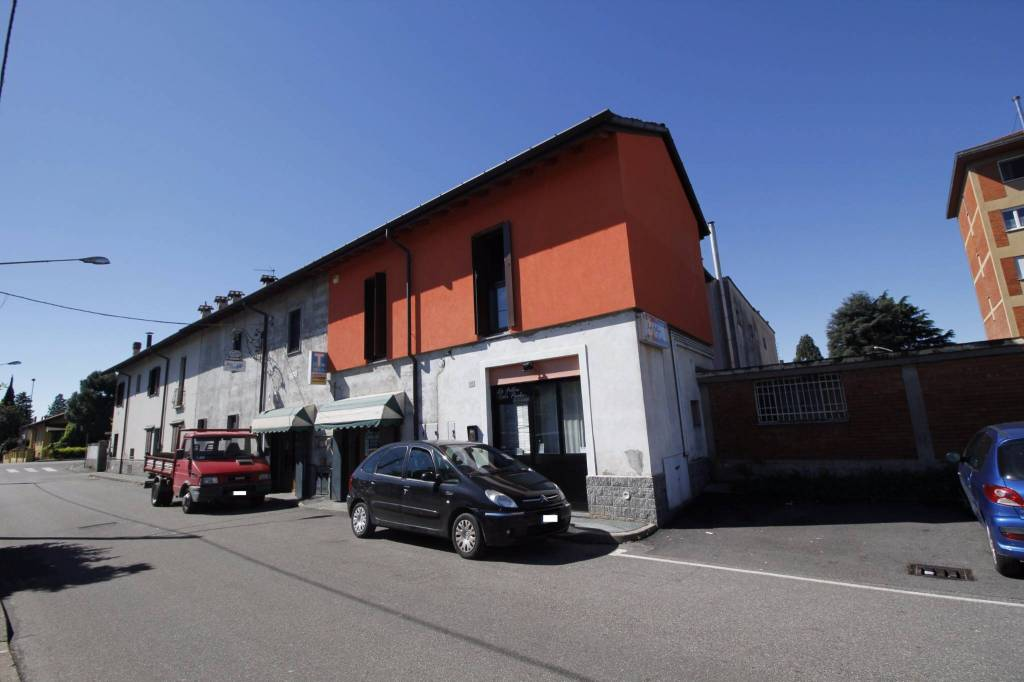 Negozio / Locale in vendita a Rescaldina, 2 locali, prezzo € 69.000   PortaleAgenzieImmobiliari.it