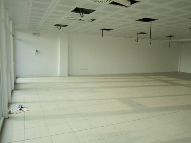 Ufficio / Studio in affitto a Affi, 1 locali, prezzo € 950 | Cambio Casa.it
