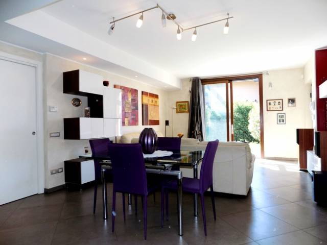 Villa a Schiera in Vendita a Cavenago di Brianza