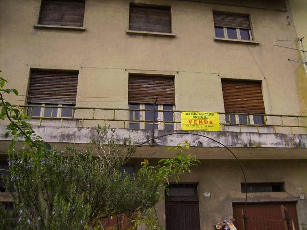 Soluzione Indipendente in vendita a Lavenone, 8 locali, prezzo € 69.000 | PortaleAgenzieImmobiliari.it
