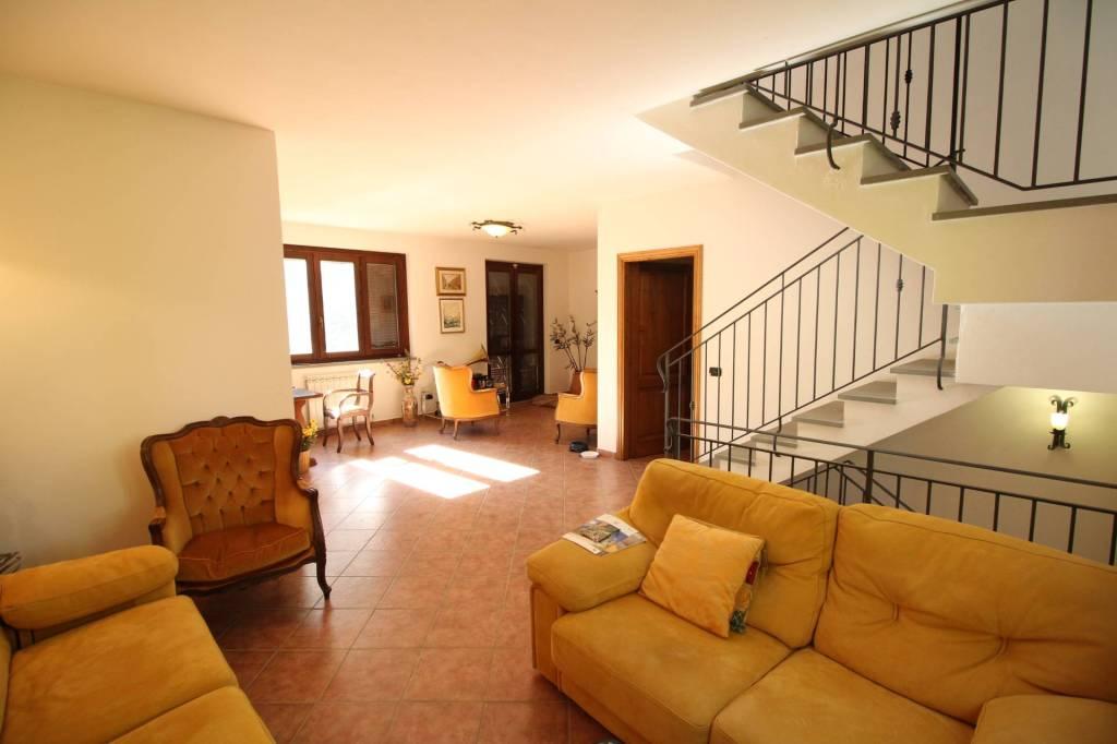 Villa in ottime condizioni in vendita Rif. 4808294