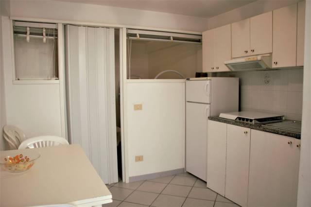 Appartamento in buone condizioni arredato in vendita Rif. 4292747