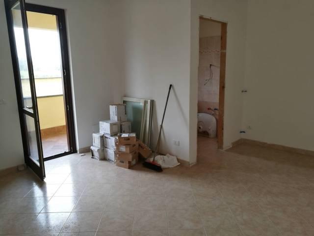 Villa in vendita a Ladispoli, 6 locali, prezzo € 279.000 | Cambio Casa.it