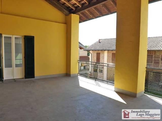 Appartamento in affitto a Angera, 3 locali, prezzo € 500 | Cambio Casa.it