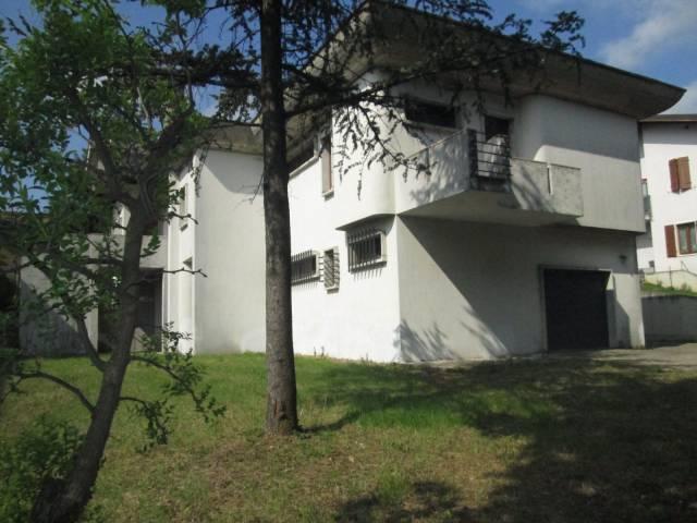 Villa in vendita a Volta Mantovana, 6 locali, prezzo € 430.000 | Cambio Casa.it