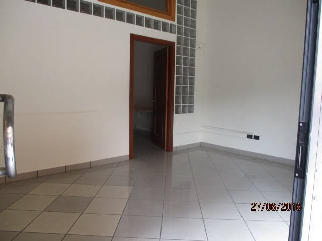 Negozio / Locale in vendita a Mercato San Severino, 1 locali, prezzo € 160.000 | Cambio Casa.it