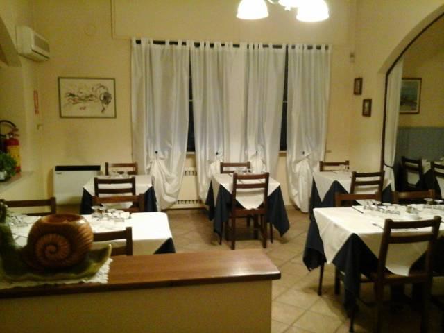 Ristorante / Pizzeria / Trattoria in vendita a Strambino, 6 locali, prezzo € 130.000 | Cambio Casa.it